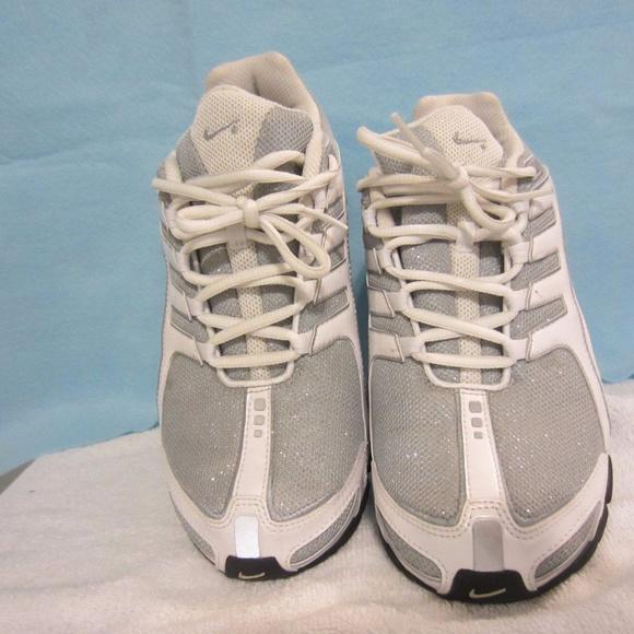 Women Nike Shox Size 8